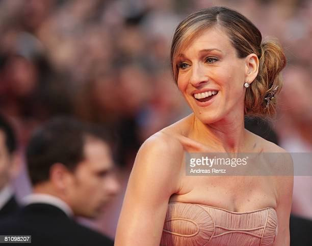 Actress Sarah Jessica Parker arrives at the German premiere of 'Sex And The City' at the cinestar on May 15 2008 in Berlin Germany
