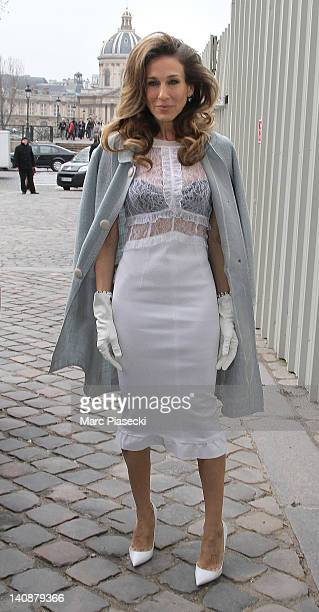 Actress Sarah Jessica Parker arrives for the Louis Vuitton ReadyToWear Fall/Winter 2012 show as part of Paris Fashion Week on March 7 2012 in Paris...