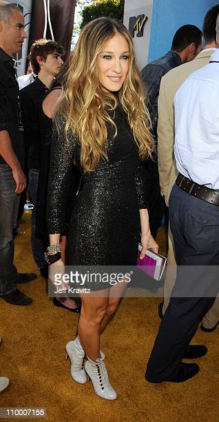 Actress Sarah Jessica Parker arrives to the 2008 MTV Movie Awards at the Gibson Amphitheatre on June 1, 2008 in Universal City, California.