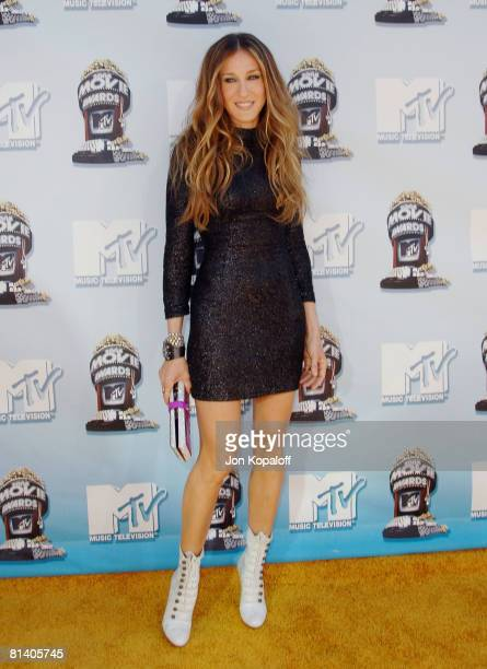 Actress Sarah Jessica Parker arrives to the 2008 MTV Movie Awards at the Gibson Amphitheatre on June 1 2008 in Universal City California
