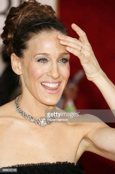Actress Sarah Jessica Parker arrives to the 63rd Annual Golden Globe Awards at the Beverly Hilton on January 16, 2006 in Beverly Hills, California.