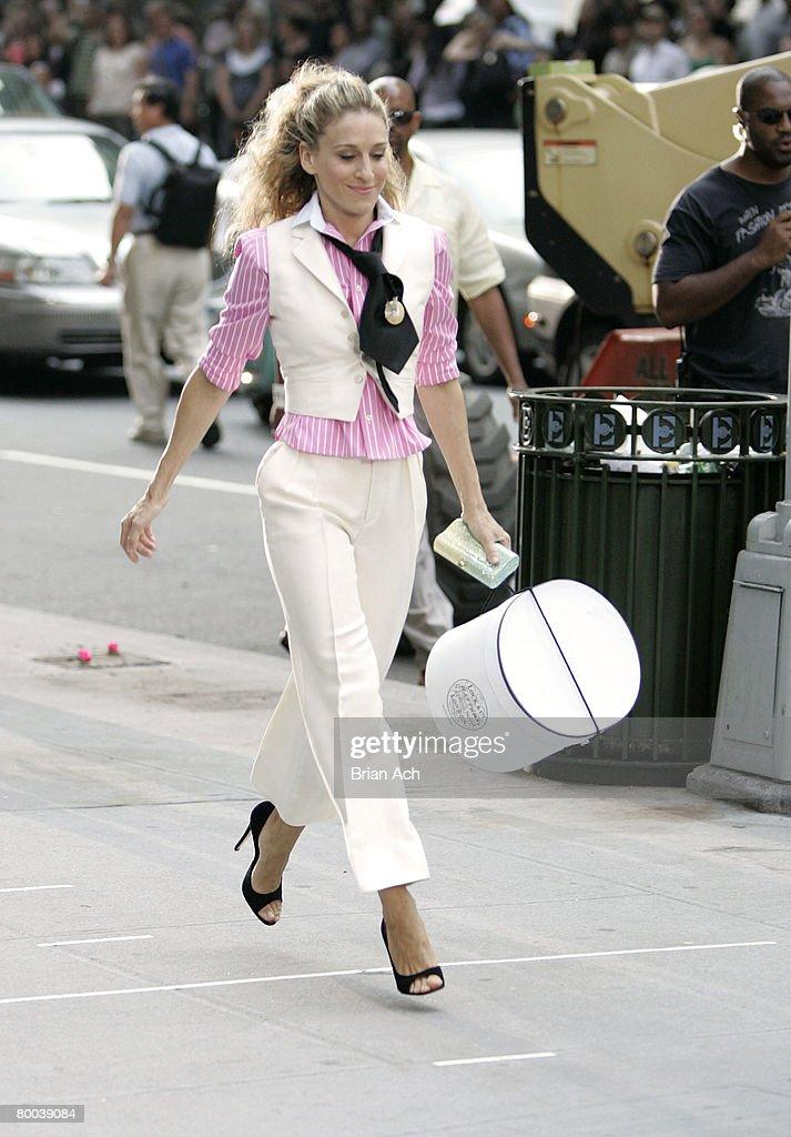 "Kristin Davis, Sarah Jessica Parker, Cynthia Nixon and Kim Cattrall on Location for ""Sex and the City: The Movie"" - September 21, 2007 : Nachrichtenfoto"