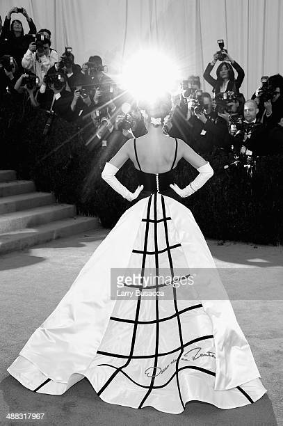 Actress Sarah Jessica Parker attends the Charles James Beyond Fashion Costume Institute Gala at the Metropolitan Museum of Art on May 5 2014 in New...