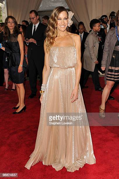 Actress Sarah Jessica Parker attends the Costume Institute Gala Benefit to celebrate the opening of the 'American Woman Fashioning a National...