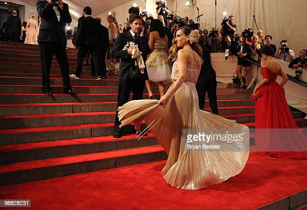 Actress Sarah Jessica Parker attends the Metropolitan Museum of Art's 2010 Costume Institute Ball at The Metropolitan Museum of Art on May 3 2010 in...