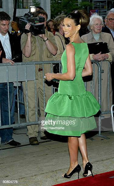 Actress Sarah Jessica Parker attends the New York City Ballet Spring Gala May 5, 2004 at Lincoln Center Plaza in New York City.