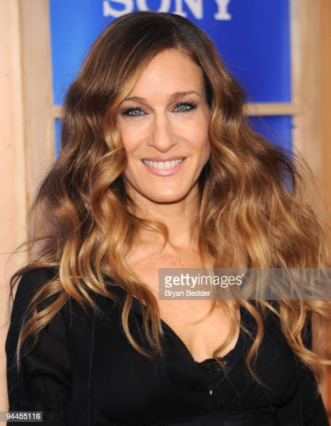 """Actress Sarah Jessica Parker attends the premiere of """"Did You Hear About the Morgans?"""" at Ziegfeld Theatre on December 14, 2009 in New York City."""