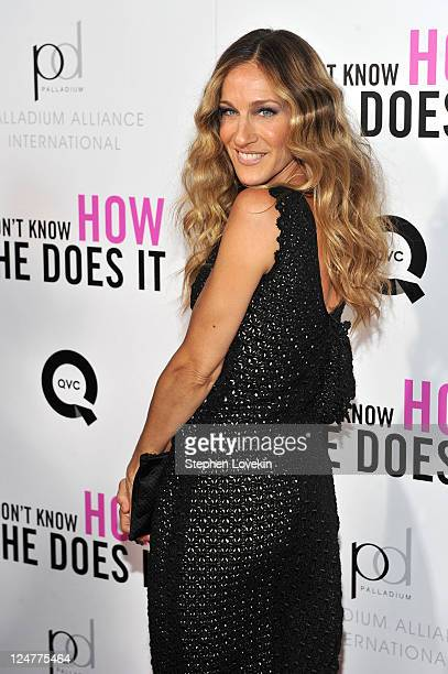 Actress Sarah Jessica Parker attends the premiere of The Weinstein Company's I Don't Know How She Does It Premiere sponsored by QVC Palladium Jewelry...