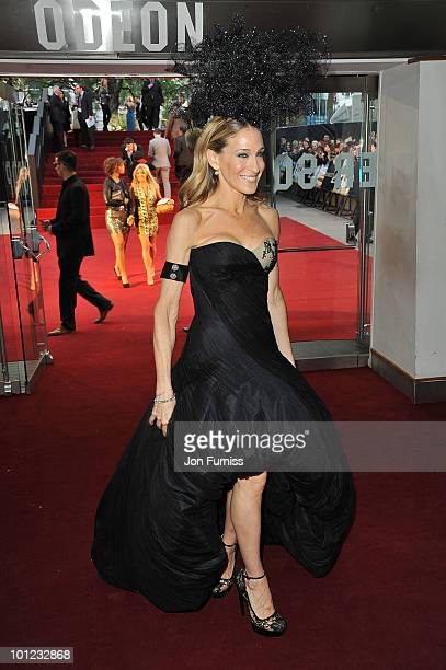 Actress Sarah Jessica Parker attends the UK premiere of Sex And The City 2 at Odeon Leicester Square on May 27, 2010 in London, England.
