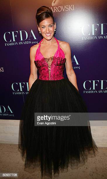 Actress Sarah Jessica Parker Fashion Icon Award recipient attends the 2004 CFDA Fashion Awards at the New York Public Library June 7 2004 in New York...