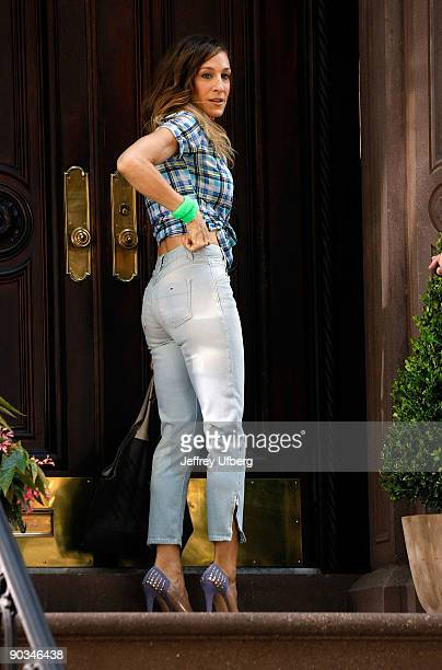 Actress Sarah Jessica Parker filming on location for 'Sex And The City 2' on the streets of Manhattan on September 4 2009 in New York City