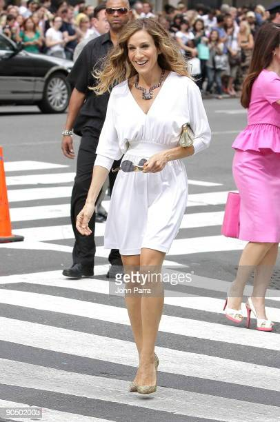 Actress Sarah Jessica Parker filming on location for Sex And The City 2 on the streets of Manhattan on September 8 2009 in New York City