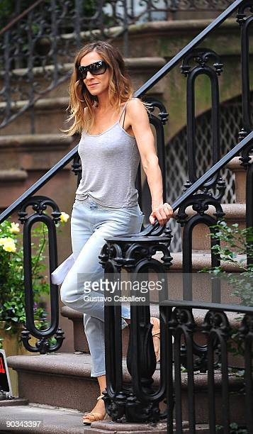 Actress Sarah Jessica Parker films on location for 'Sex And The City 2' film on the streets of Manhattan on September 4 2009 in New York City