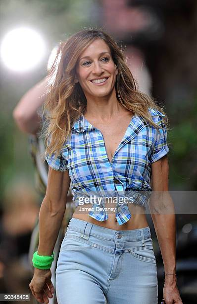 Actress Sarah Jessica Parker is seen during production on Sex And The City 2 on the streets of Manhattan on September 4 2009 in New York City