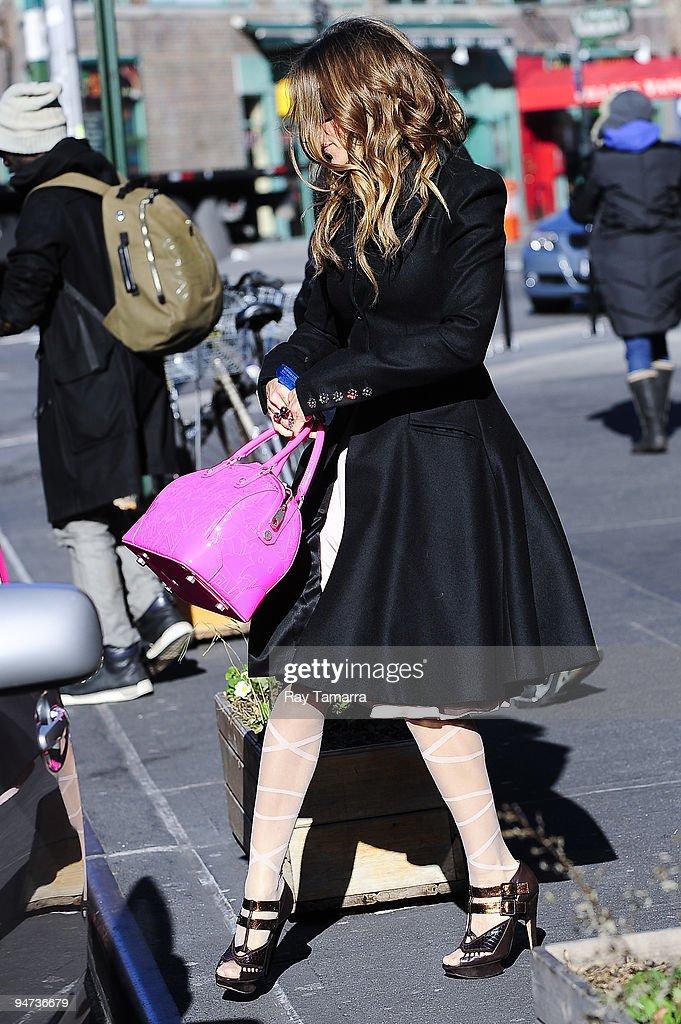 Actress Sarah Jessica Parker leaves Morandi Restaurant on December 17, 2009 in New York City.