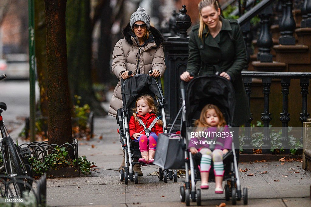 Actress Sarah Jessica Parker, Marion Broderick, and Tabitha Broderick walk to school on December 17, 2012 in New York City.