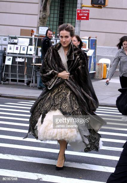 Actress Sarah Jessica Parker on location for Annie Leibowitz's Vogue Sex and the city photo shoot in Central Park on March 7 2008 in New York City