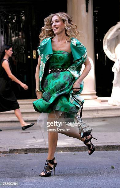 Actress Sarah Jessica Parker on location for Sex and the City The Movie September 19 2007 in New York City