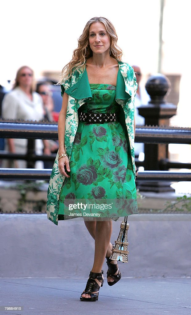 Actress Sarah Jessica Parker on location for 'Sex and the City: The Movie' September 19, 2007 in New York City.