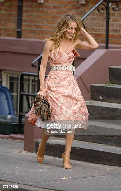 Actress Sarah Jessica Parker on the set of ''Sex and the City: The Movie'' October 1, 2007 in New York City.