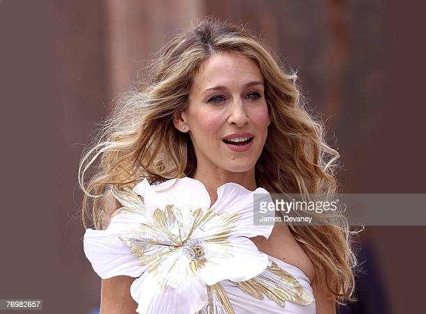 Actress Sarah Jessica Parker on the set of 'Sex in The City The Movie' September 21 2007 in New York City