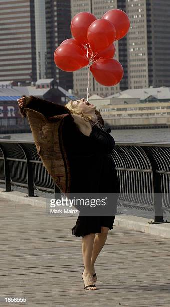 Actress Sarah Jessica Parker shoots a promotional video for the hit HBO series 'Sex and the City' March 19 2003 in Brooklyn Heights New York