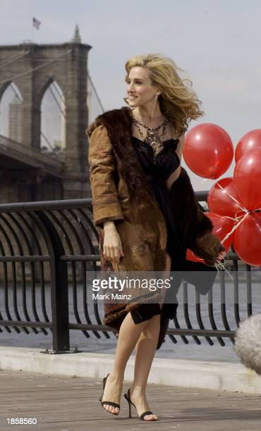 Actress Sarah Jessica Parker shoots a promotional video for the hit HBO series Sex and the City March 19 2003 in Brooklyn Heights New York