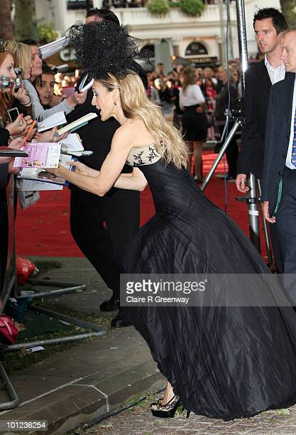 Actress Sarah Jessica Parker signs autographs and meets fans as she arrives at the UK premiere of 'Sex And The City 2' at Odeon Leicester Square on...