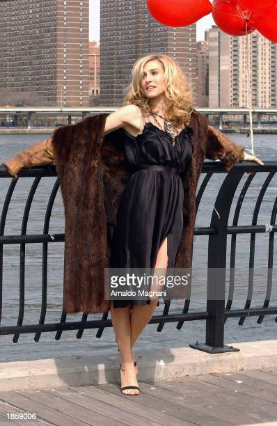 Actress Sarah Jessica Parker tapes on the set of the HBO hit show 'Sex in the City' March 19 2003 in Brooklyn New York