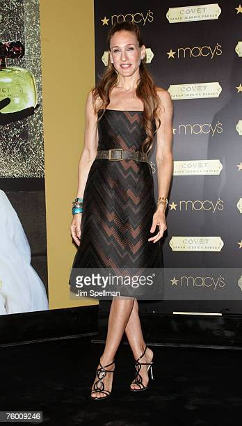 Actress Sarah Jessica Parker unveils her new fragrance 'Covet' at Macy's Herald Square on August 7 2007 in New York City