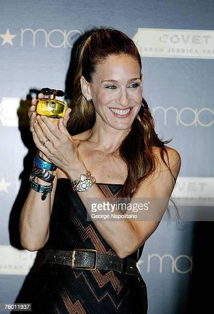 Actress Sarah Jessica Parker unveils her new fragrance Covet August 7 2007 at Macy's Herald Square in New York