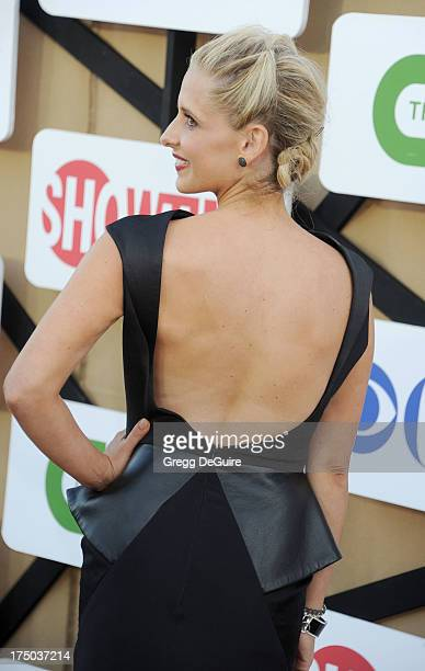 Actress Sarah Michelle Gellar arrives at the CBS/CW/Showtime Television Critic Association's summer press tour party at 9900 Wilshire Blvd on July 29...