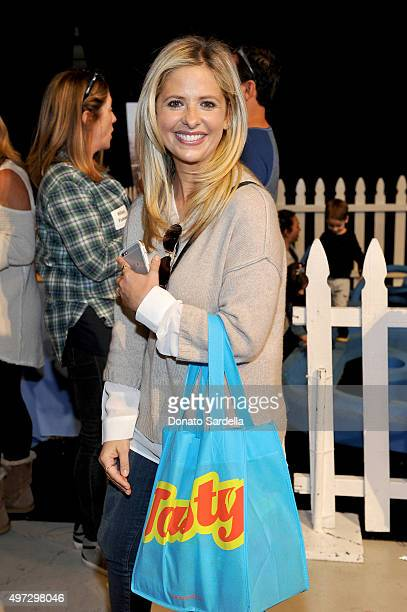 Actress Sarah Michelle Gellar attends Express Yourself 2015 to benefit PS ARTS providing arts education to 25000 public school students each week at...