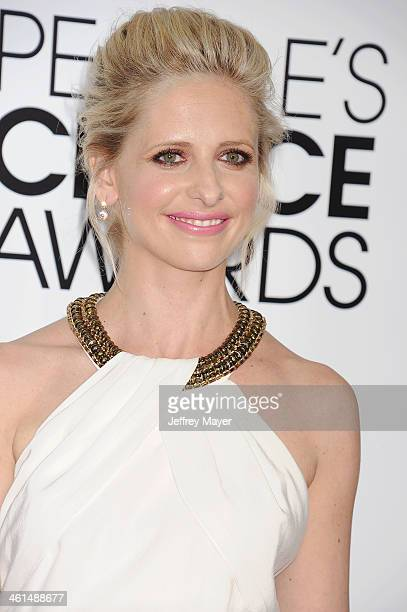 Actress Sarah Michelle Gellar attends The 40th Annual People's Choice Awards at Nokia Theatre LA Live on January 8 2014 in Los Angeles California