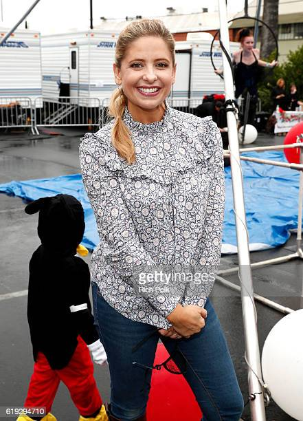 Actress Sarah Michelle Gellar attends the FirstEver GOOD Foundation Halloween Bash hosted Jessica Seinfeld at Sunset Gower Studios on October 30 2016...