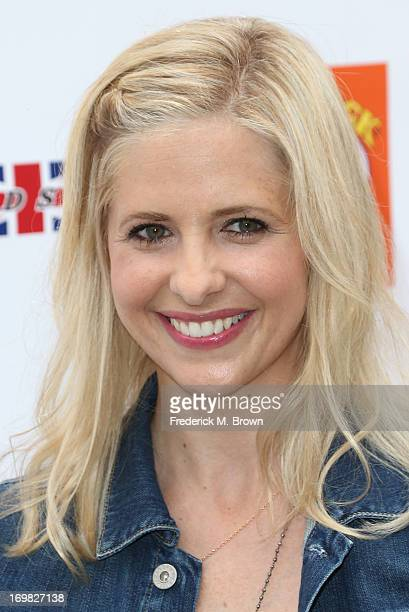 Actress Sarah Michelle Gellar attends the Seventh Annual Kidstock Music and Art Festival to benefit One Voice Scholars at the Greystone Mansion on...