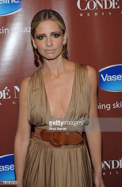 "Actress Sarah Michelle Gellar attends the Vaseline and Conde Nast Media Group ""Skin is Amazing"" exhibit at The Glass House in the Chelsea Art Tower..."