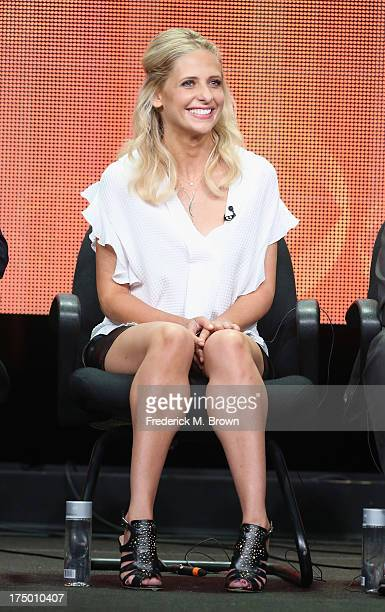 Actress Sarah Michelle Gellar speaks onstage during 'The Crazy Ones' panel discussion at the CBS Showtime and The CW portion of the 2013 Summer...