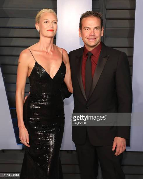 Actress Sarah Murdoch and Lachlan Murdoch attend the 2018 Vanity Fair Oscar Party hosted by Radhika Jones at Wallis Annenberg Center for the...