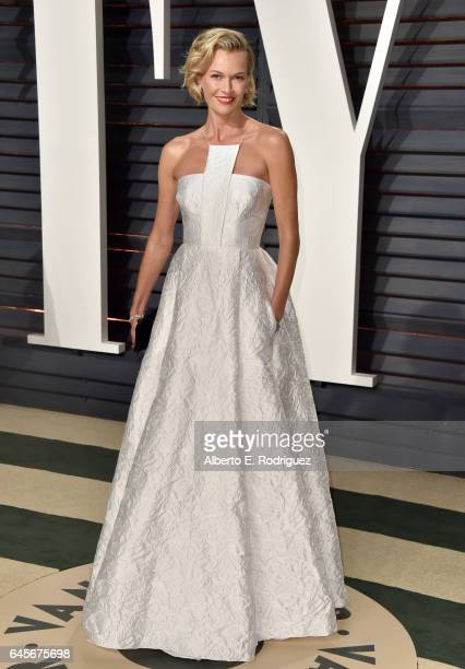 Actress Sarah Murdoch attends the 2017 Vanity Fair Oscar Party hosted by Graydon Carter at Wallis Annenberg Center for the Performing Arts on...