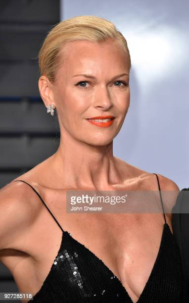 Actress Sarah Murdoch attends the 2018 Vanity Fair Oscar Party hosted by Radhika Jones at Wallis Annenberg Center for the Performing Arts on March 4...
