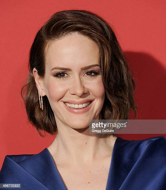 Actress Sarah Paulson arrives at the Los Angeles premiere of 'American Horror Story Freak Show' at TCL Chinese Theatre IMAX on October 5 2014 in...