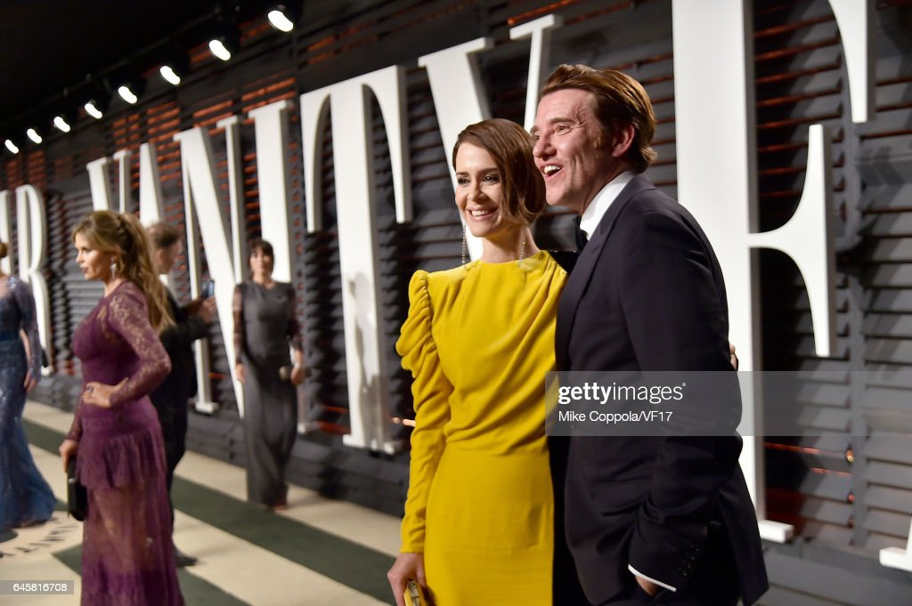 Actress Sarah Paulson (L) attends the 2017 Vanity Fair Oscar Party hosted by Graydon Carter at Wallis Annenberg Center for the Performing Arts on February 26, 2017 in Beverly Hills, California.
