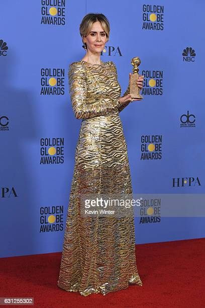 Actress Sarah Paulson winner of Best Actress in a Miniseries or Television Film for 'The People v OJ Simpson American Crime Story' poses in the press...