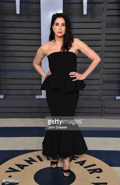 Actress Sarah Silverman attends the 2018 Vanity Fair Oscar Party hosted by Radhika Jones at Wallis Annenberg Center for the Performing Arts on March...