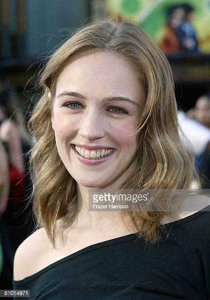"""Actress Sarah Thompson arrives at the World Premiere of """"LA Twister"""" on June 30, 2004 at the Grauman's Chinese Theatre, in Hollywood, California."""