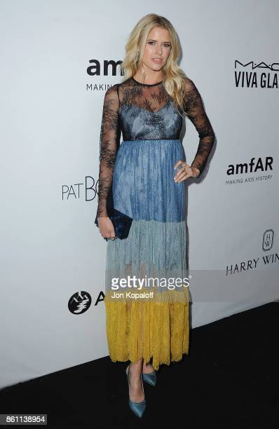 Actress Sarah Wright arrives at amfAR Los Angeles 2017 at Ron Burkleâs Green Acres Estate on October 13 2017 in Beverly Hills Californi