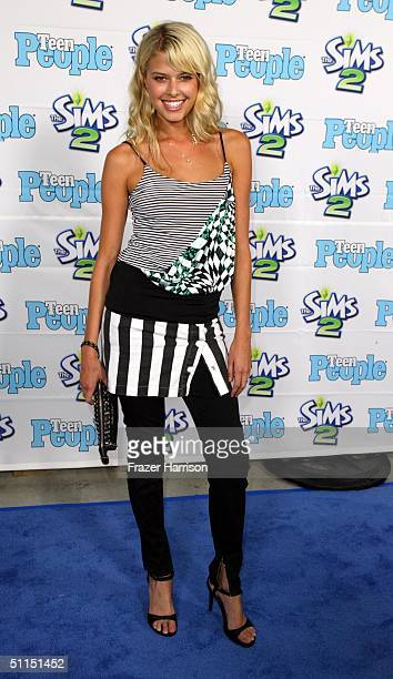 """Actress Sarah Wright arrives at the 1st Annual Teen People """"Young Hollywood"""" Issue party held on August 7, 2004 at the Teen People mansion in the..."""