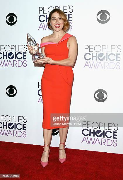 Actress Sasha Alexander winner of Favorite Cable TV Actress for Rizzoli Isles poses in the press room during the People's Choice Awards 2016 at...