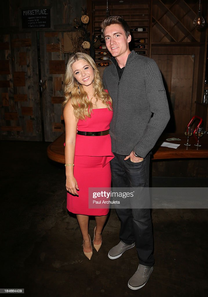 Actress Sasha Pieterse (L) attends the Pretty Pink Beauty Night at Tiato Restaurant on October 14, 2013 in Santa Monica, California.